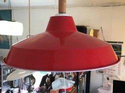 画像3:  ホーロー赤色 2灯照明 スイッチ付き