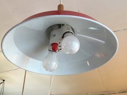 画像5:  ホーロー赤色 2灯照明 スイッチ付き